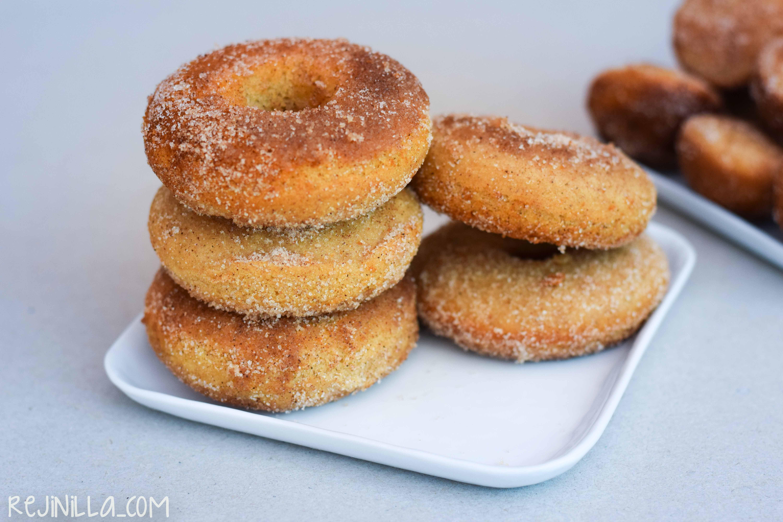donitas horneadas de azúcar y canela